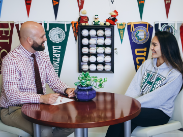 How to Select the Right College Counselor?