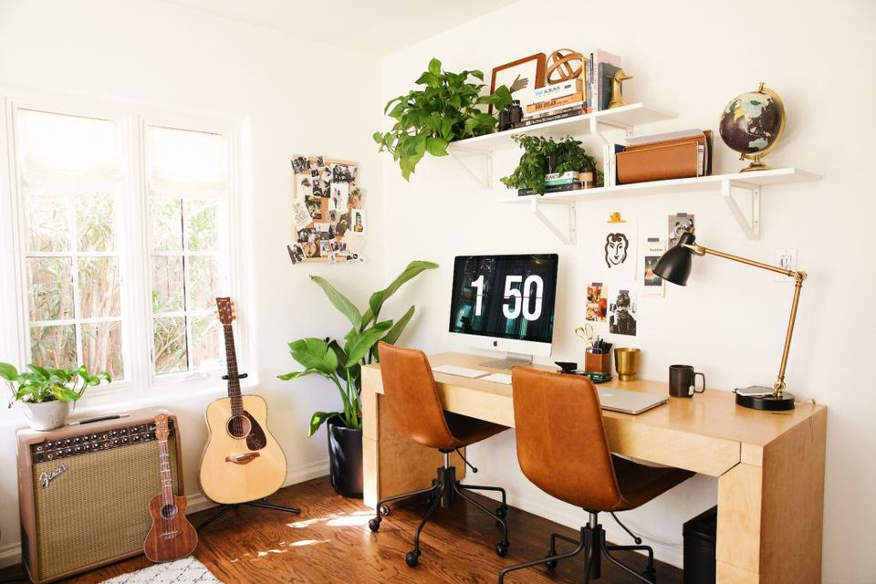 8 Office Furniture Ideas for Small Spaces